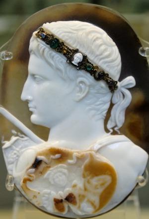 Cammeo di Augusto, detto anche Cammeo Blacas, età tiberiana, I secolo