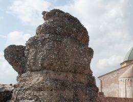 Mausoleo, I secolo. Detto il Torrione